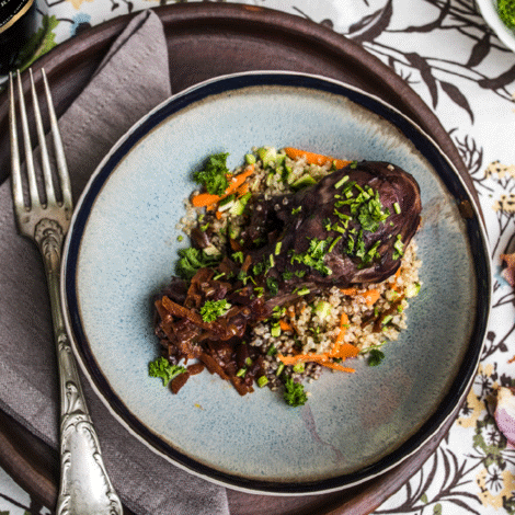 Coq au vin med quinoa og sautererede grøntsager, opskrift, fremgangsmåde, tilberedning, mad, vin